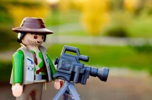 Legofigur mit Kamera